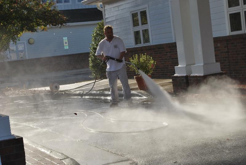 H2O Wash Makes Triangle NC Parking Sparkle